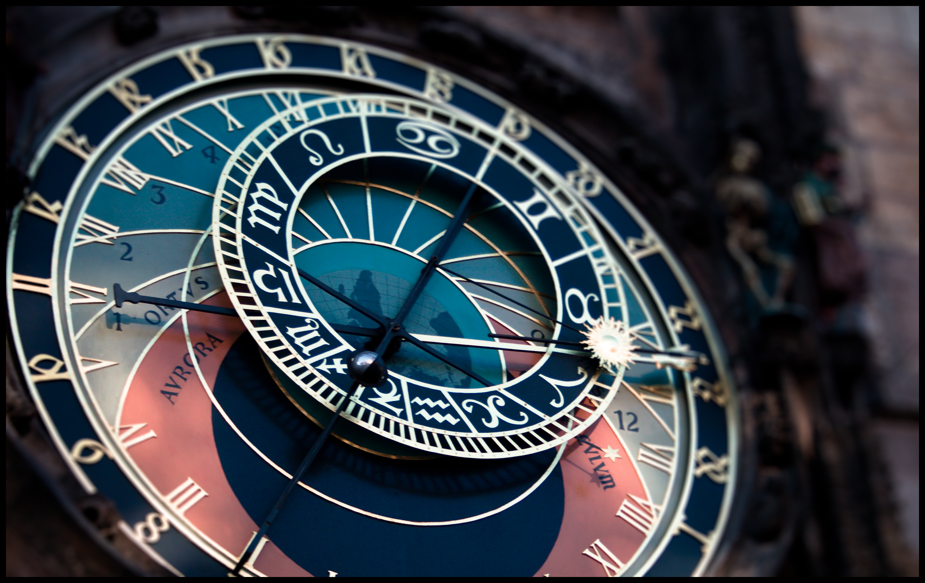 Astrological clock with the sun between Aries and Taurus