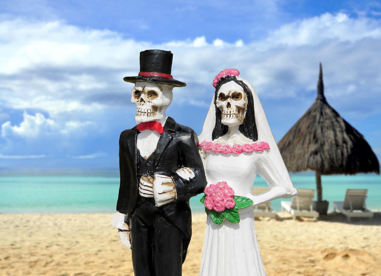 Скелеты на отдыхе картинки