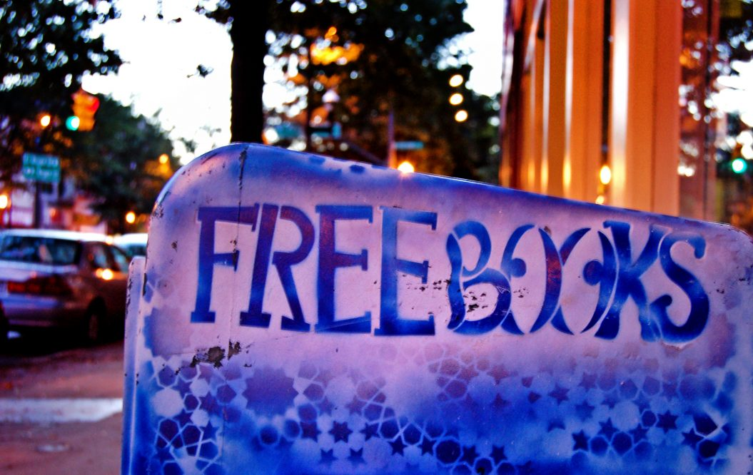 "Sign reading ""Free Books"""